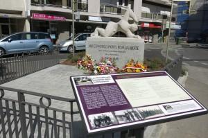 """Le """"Monument aux Espagnols"""" vu dans son ensemble."""