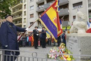 Drapeau Républicain Espagnol devant le Monument aux Espagnols morts pour la Liberté dans les rangs de l'Armée française et la Résistance.